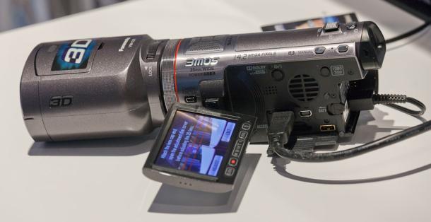 Panasonic's 3D-Capable HDC-SDT750 Camcorder