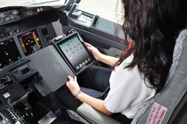 Alaska Airlines Pilots Get Free iPad