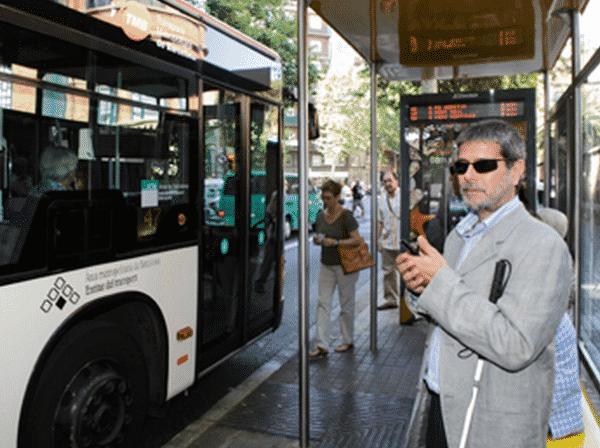 Blind People Using OnTheBus Application, Image Credit : Universitat Autònoma de Barcelona
