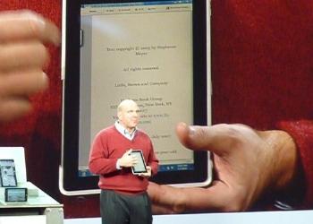 Steve Ballmer demonstrates HP's upcoming Windows 7-based