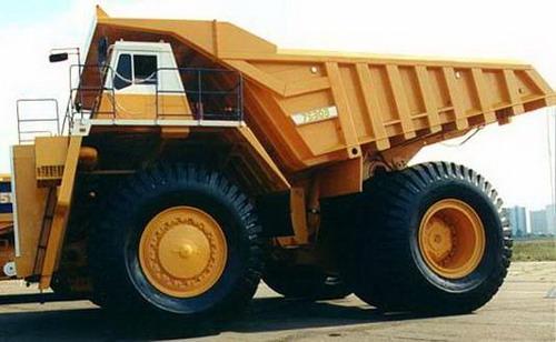 giant truck, BELAZ (200-220 ton payload )