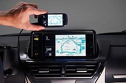 World-First Smartphone Mirroring Infotainment System