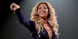 Beyonce's New Album Breaks iTunes Sales Record!