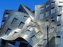 [Image] World's Top 10 Strangest Buildings!