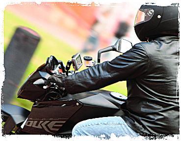http://thetechjournal.com/wp-content/uploads/images/1206/1338969605-garmin-zumo-665-widescreen-motorcycle-navigator-2.png