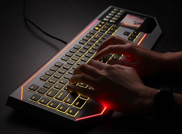 Star Wars LCD keyboard, Image credit: ubergizmo.com