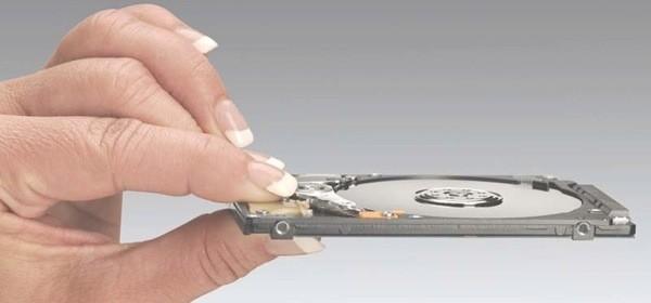 Hitachi's 320GB 7mm hard drive